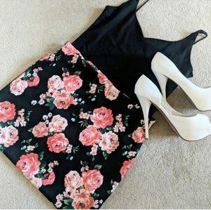 Dresses & Skirts - Floral Midi Skirt